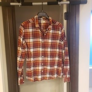 2 long sleeve Levi's plaid button down shirts
